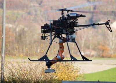 Квадрокоптер с манипулятором